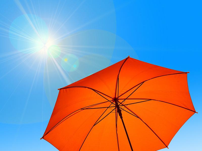 太陽とパラソル